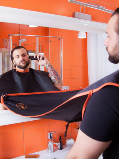 Фартук для бритья Manecode с креплениями на зеркало